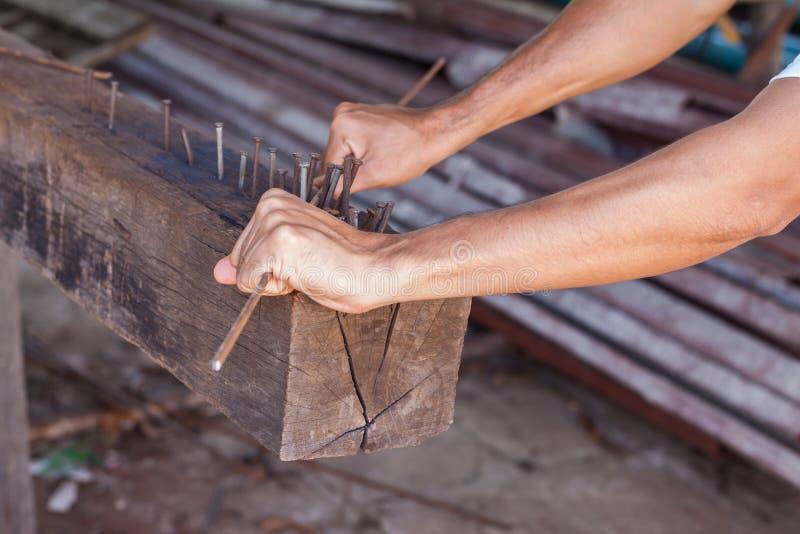 Tige en acier obligatoire de travailleur photo libre de droits
