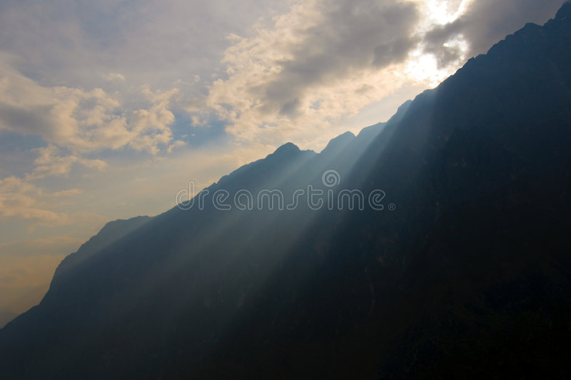 Download Tiger Leaping Gorge, Yunnan, China Stock Photos - Image: 9187203