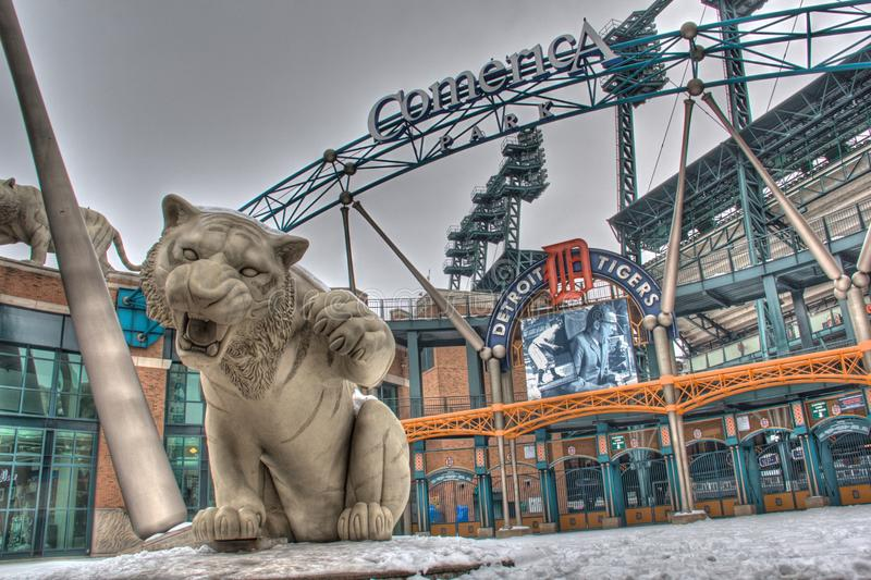 Tiger Statue på Comerica parkerar arkivbilder