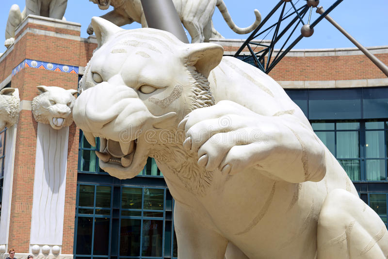 Tiger Statues bij Comerica-Park op Woodward-Weg, Detroit Michigan stock foto's