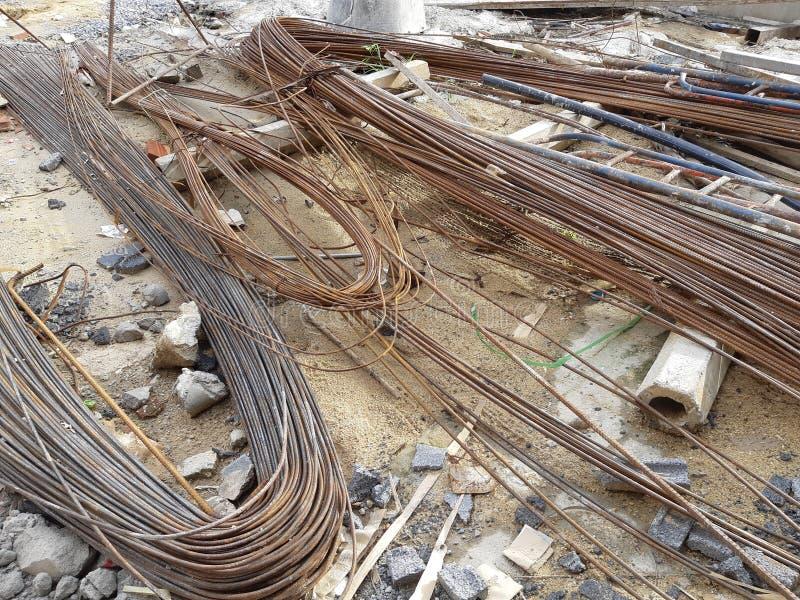 Tiges de fer déformées de barre d'acier pour la construction photos libres de droits