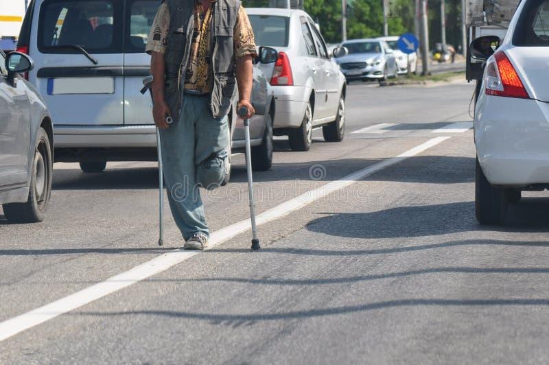 Tiggare med ett ben royaltyfria foton