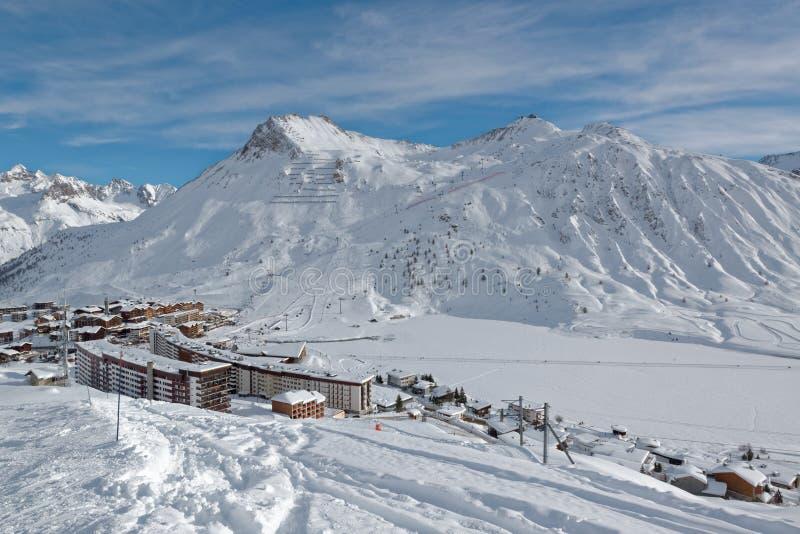 Tignes le Gummilacka Ski Resort i Frankrike fotografering för bildbyråer