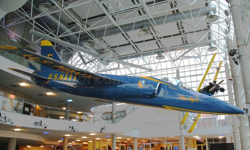 Tigre de Grumman F-11 dos anjos azuis na exposição fotografia de stock
