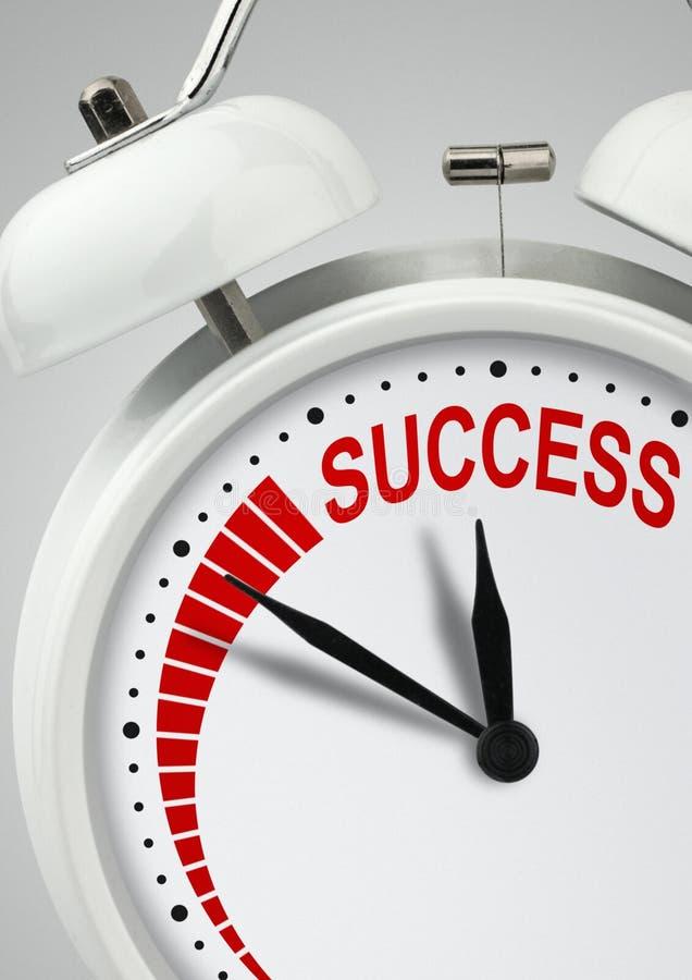 Tijd aan succesconcept, lange weg aan succes, klok met inscrip royalty-vrije stock fotografie