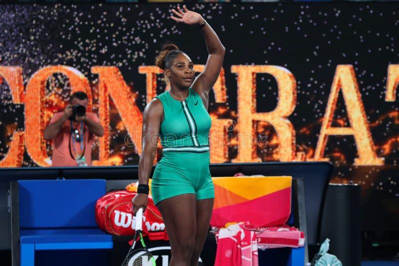 23-tijd Grand Slam-viert de Kampioen Serena Williams van Verenigde Staten overwinning na haar ronde van gelijke 16 bij Australian stock foto's