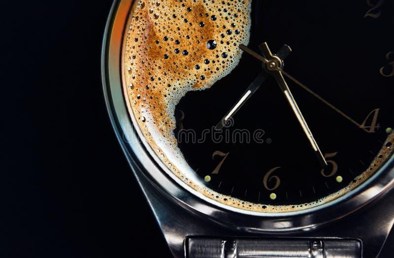 Tijd om koffie te drinken royalty-vrije stock foto