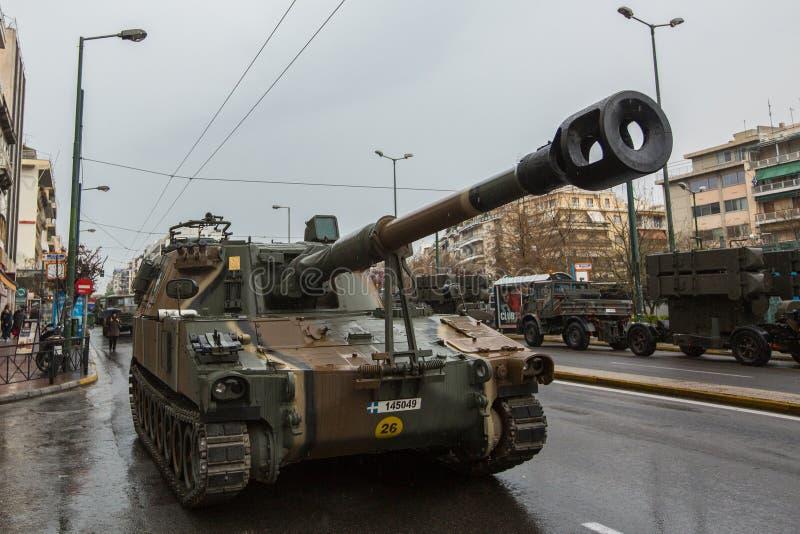 Tijdens Militaire parade voor de Onafhankelijkheid van Griekenland is de Dag een jaarlijkse nationale feestdag, royalty-vrije stock afbeeldingen