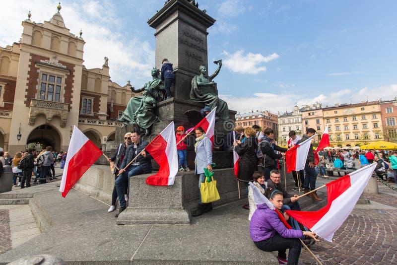Tijdens Vlagdag van de Republiek van Pools - is nationaal die festival door het Akte wordt geïntroduceerd royalty-vrije stock foto's