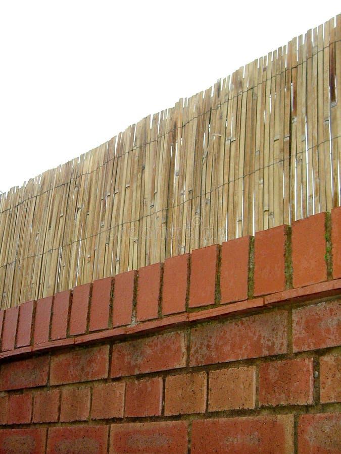 Download Tijolo e bastão imagem de stock. Imagem de tijolo, fundo - 68959
