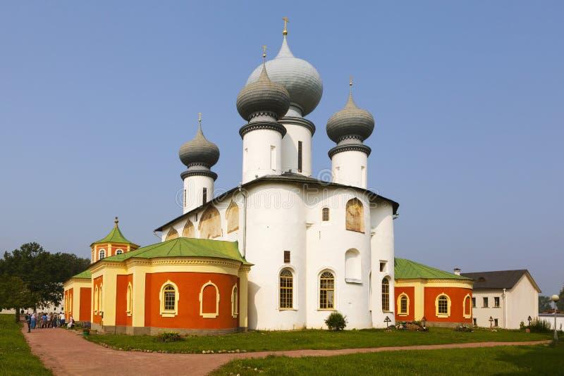 Tikhvin Tikhvin moder av gudantagandekloster antagandedomkyrkasmolensk sikt Ryssland arkivbild
