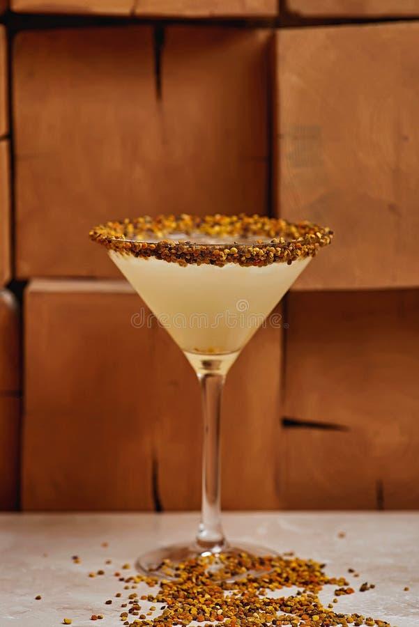 Tiki Cocktail-onduidelijk beeldachtergrond royalty-vrije stock foto's