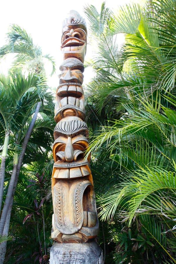 Tiki Totem impilato con tre fronti fotografia stock libera da diritti