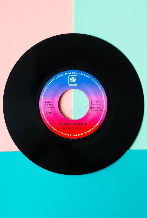Tilburg, Nederland - 05 06 2019: Vinylopname van Johnny Wakelin - u kreeg het insect, reaggae/zielalbum Illustratief hoofdartikel stock foto