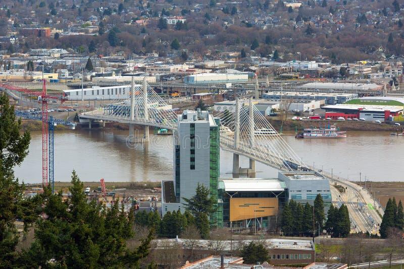 Tilikum пересекая над рекой Willamette стоковая фотография rf