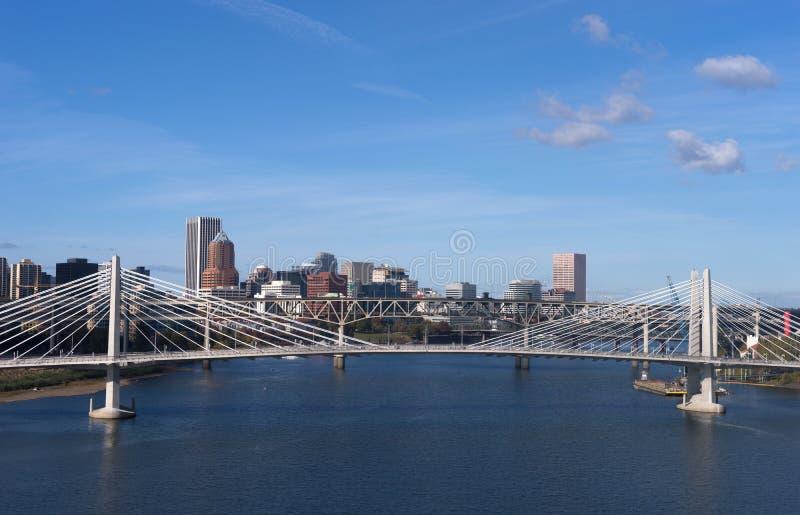 Tilikum пересекая реку Willamette строительства моста Портленда Орегона новое стоковое фото rf