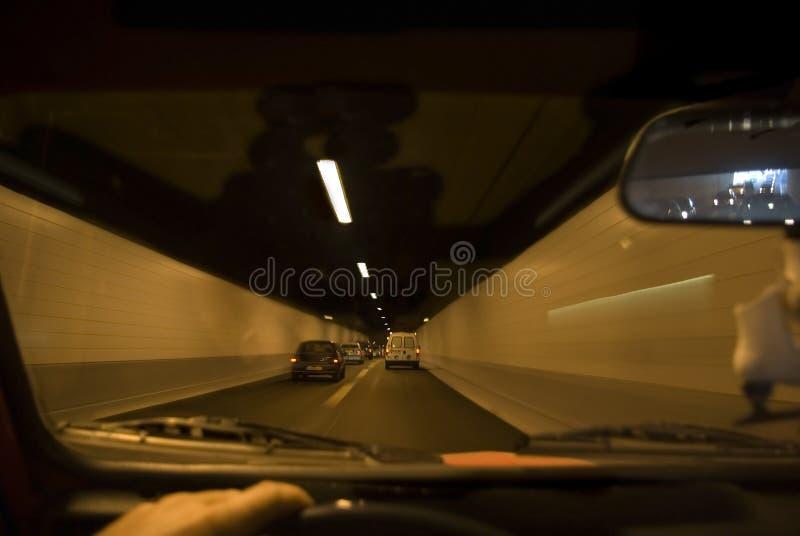Till och med tunnelen royaltyfri bild