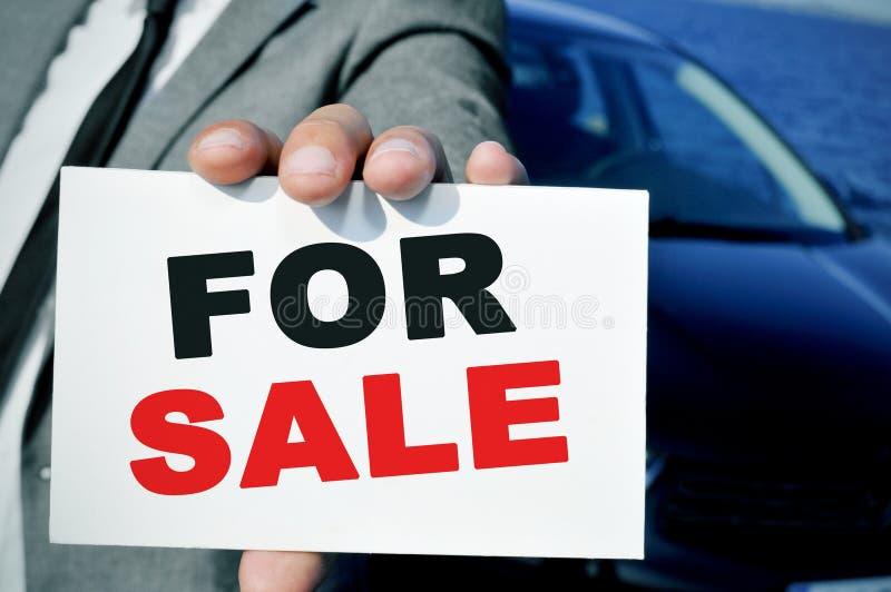 Till salu bil fotografering för bildbyråer