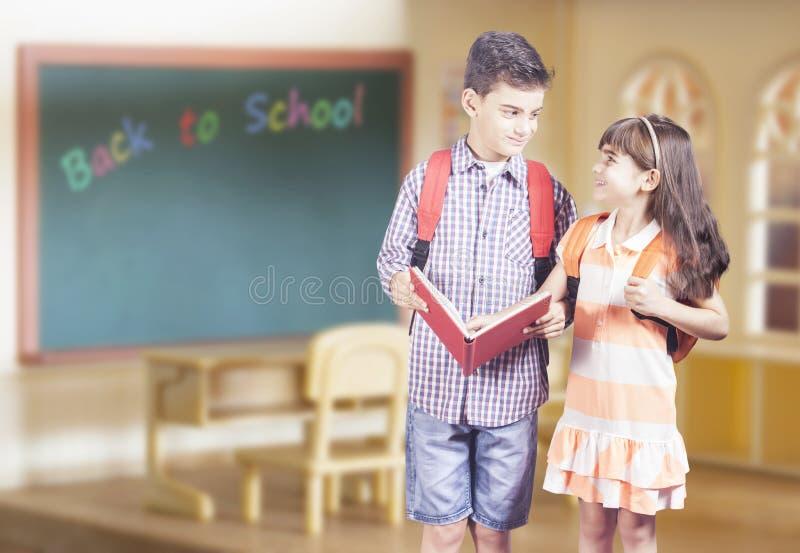 tillbaka begreppsskola till royaltyfri bild