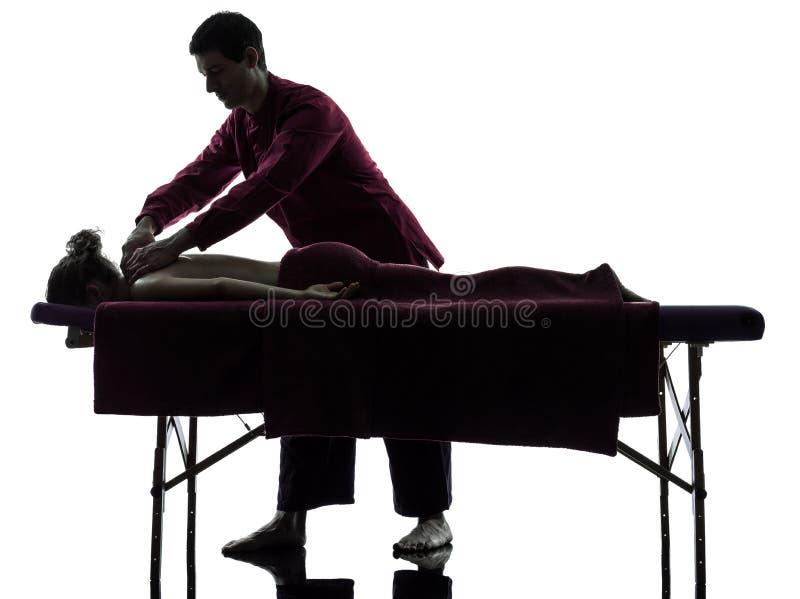 Tillbaka massageterapi royaltyfri fotografi