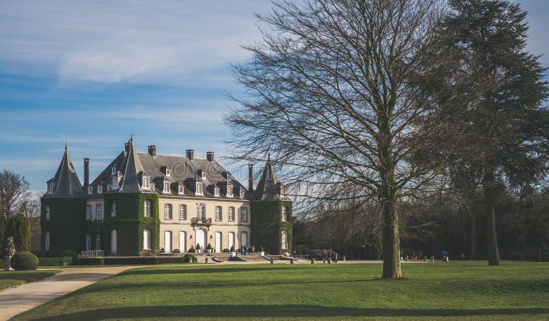 Tillbaka sikt av castelen av La Hulpe i Belgien fotografering för bildbyråer