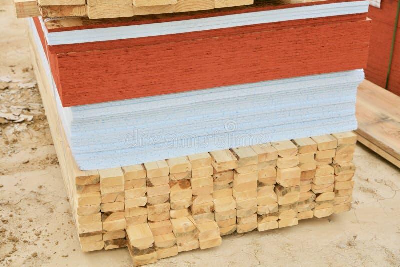 Tillförsel för kryssfaner, för Drywall och för hem- byggnad arkivfoto