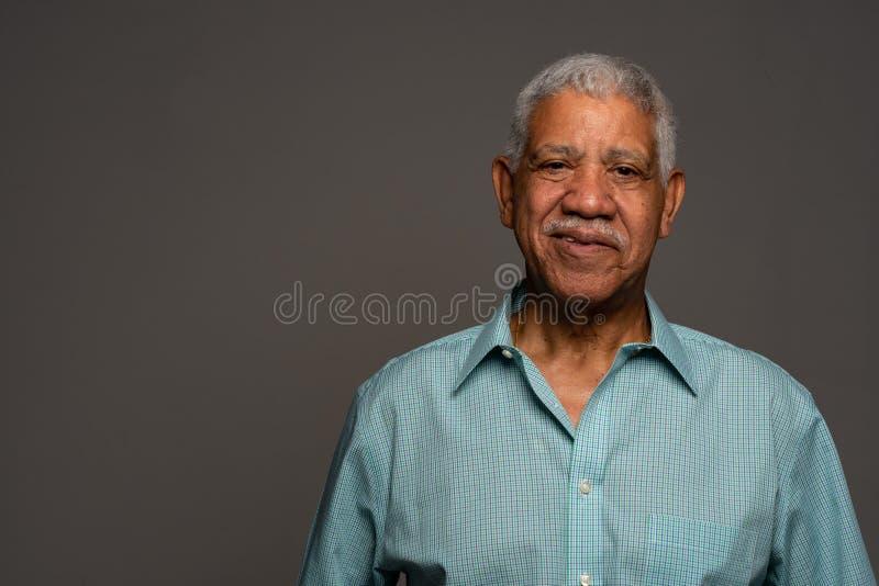 Tillf?llig indisk aff?rsman In Green Shirt arkivfoto