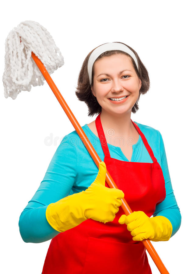 Tillfredsställd hemmafru 30 år gammalt posera med golvmopp royaltyfri foto
