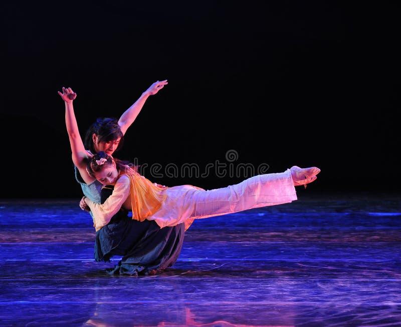 Tillgiven kram-dansdrama legenden av kondorhjältarna royaltyfria bilder