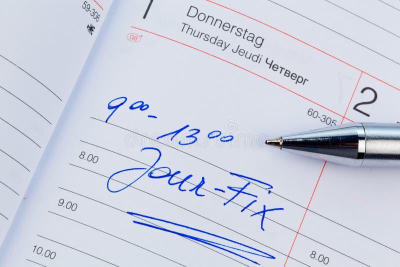 Tillträde i kalendern: jourknipa arkivfoton