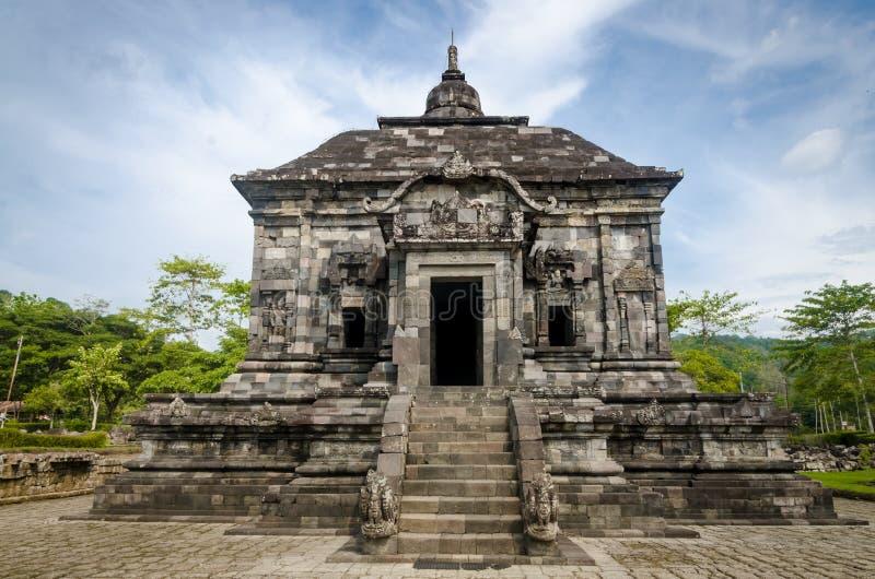 Tillträde till Banyunibo Temple, byn Cepit, Bokoharjo, distriktet Prambani, Sleman Regency, Yogyakarta den 26 december 2019 royaltyfria bilder