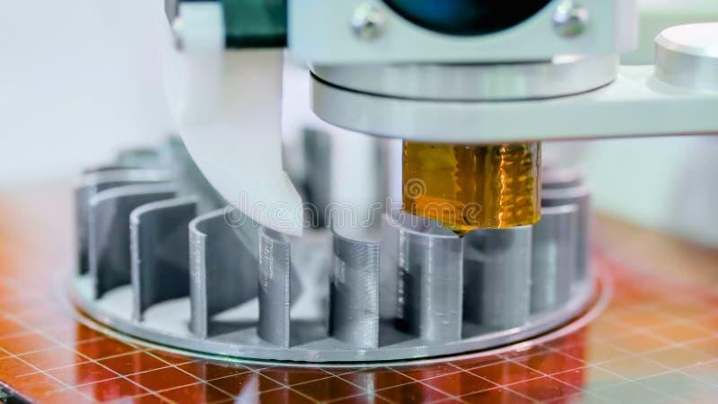 tillverkande skrivare 3D under arbete arkivbilder