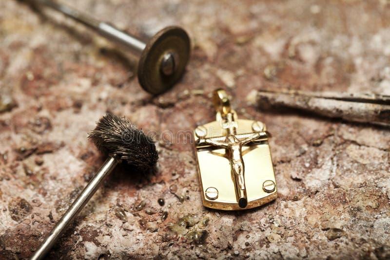 Tillverkning och reparation av smycken royaltyfri bild