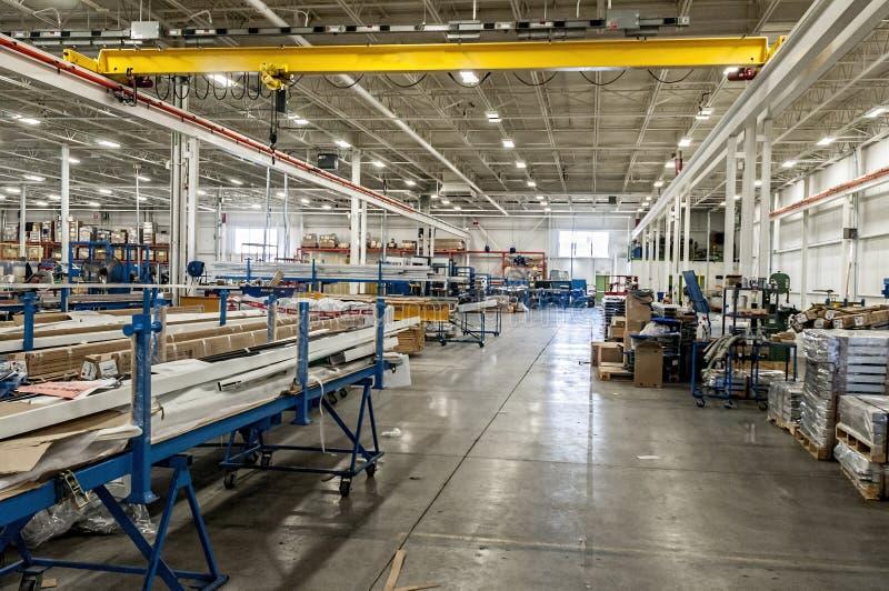 Tillverknings- och enhetsfabrik royaltyfri foto