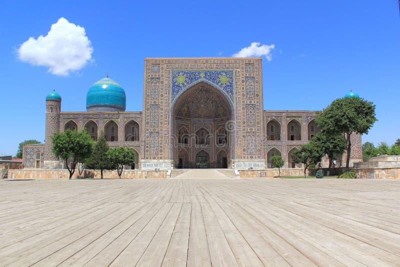 Tillya-Kori Madrasah em Samarkand imagens de stock royalty free