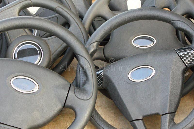 Timón de la rueda de coche foto de archivo