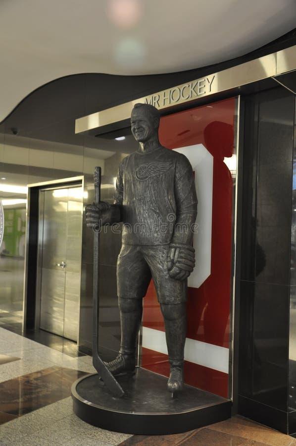 Tim Hortons Statue dentro del lugar de Brookfield en Toronto de la provincia Canadá de Ontario fotos de archivo libres de regalías