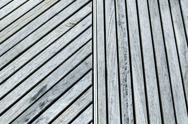 Timber обширный наклонять и вертикальная картина в одном кадре стоковая фотография