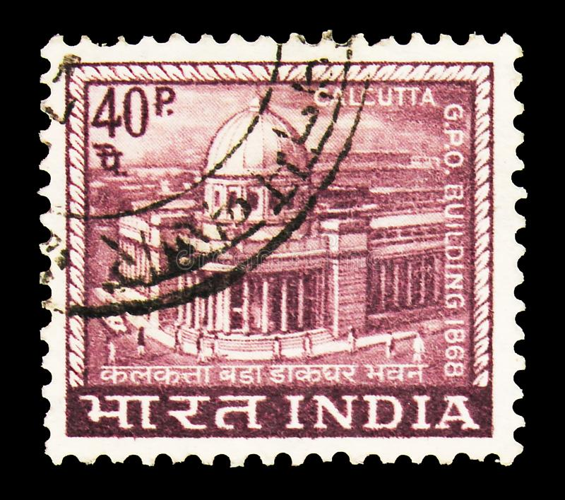 Timbre-poste imprimé en Inde montre Calcutta Grand Post Office Building, Country Motifs série, vers 1968 images stock