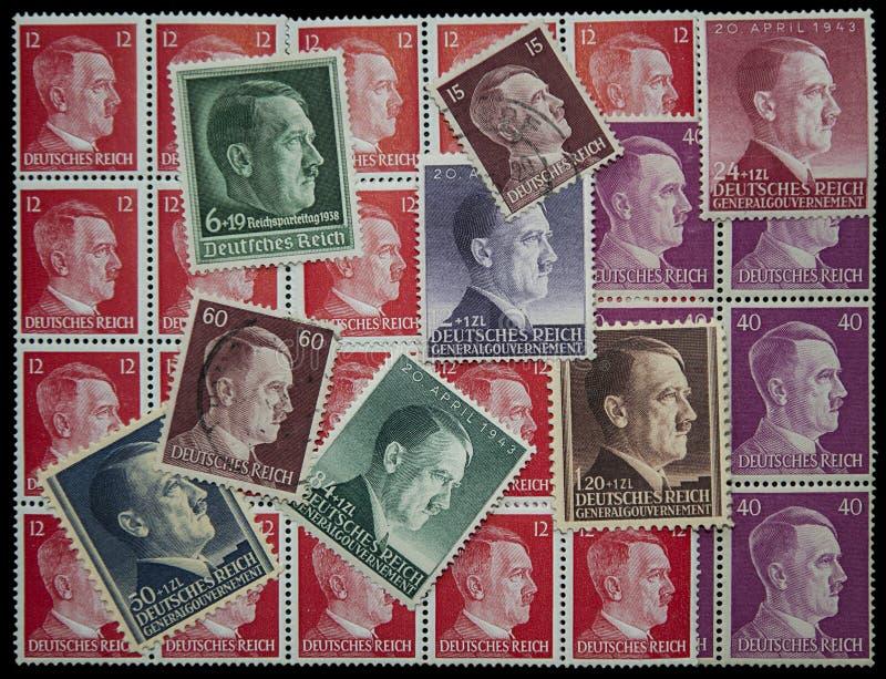 Timbres de courrier d'Adolf Hitler photographie stock