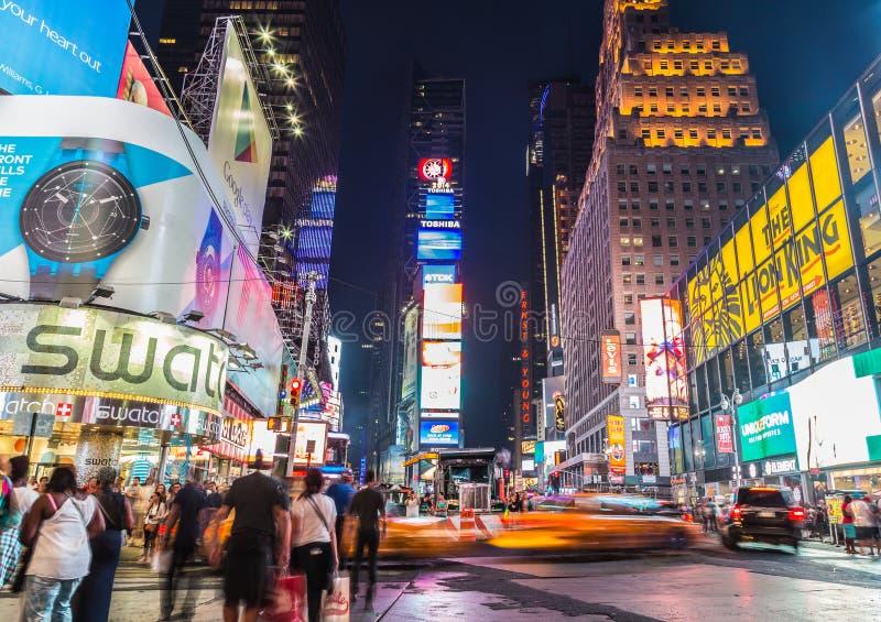 Time Square en la oscuridad imagen de archivo libre de regalías