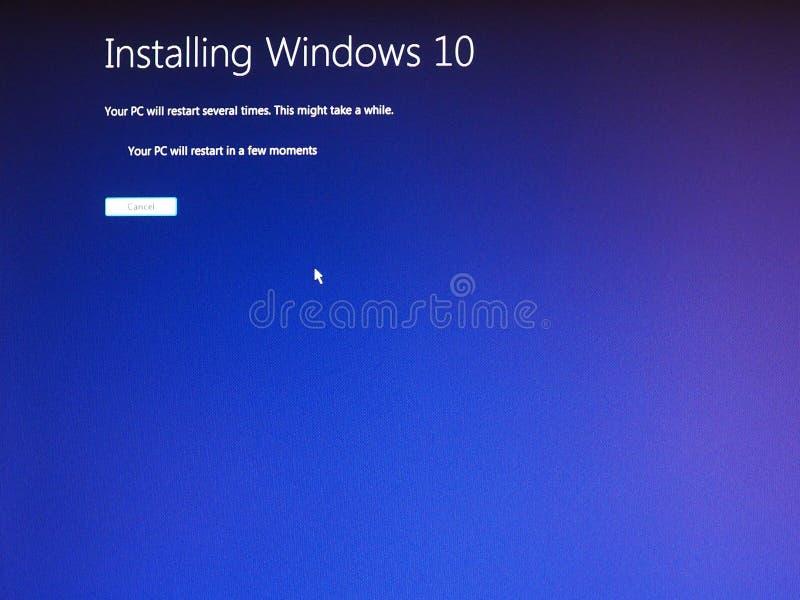 Timelapse die migratie van Microsoft Windows 7 tonen aan Vensters royalty-vrije stock foto's