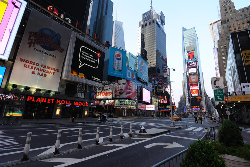 Download Times Square Editorial Stock Image - Image: 14940789
