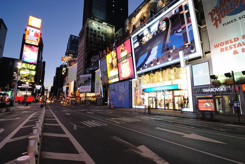 Download Times Square Editorial Photo - Image: 15917916
