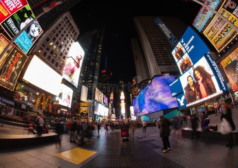 Times Square alla notte, NYC immagini stock