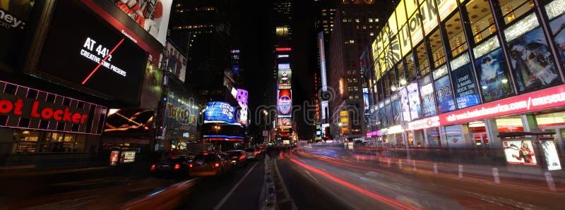 Times Square bis zum Night lizenzfreie stockfotos
