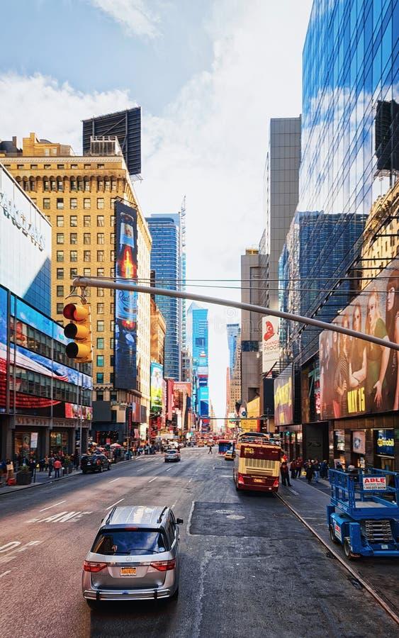 Times Square dos arranha-céus em Broadway e em 7a avenida imagens de stock royalty free