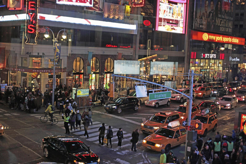 Times Square et Broadway la nuit, New York City, NYC images stock