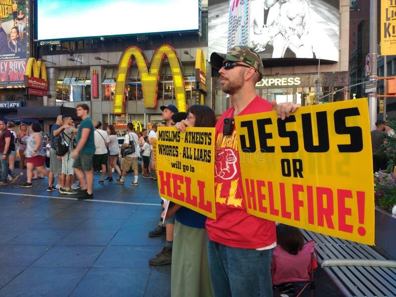 Times Square, het Godsdienstige Prediken, Jesus Or Hellfire! NYC, NY, DE V.S. stock afbeeldingen