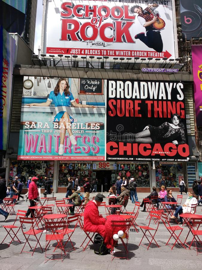 Times Square kostymerat tecken på avbrottet, New York City, NYC, NY, USA arkivbilder